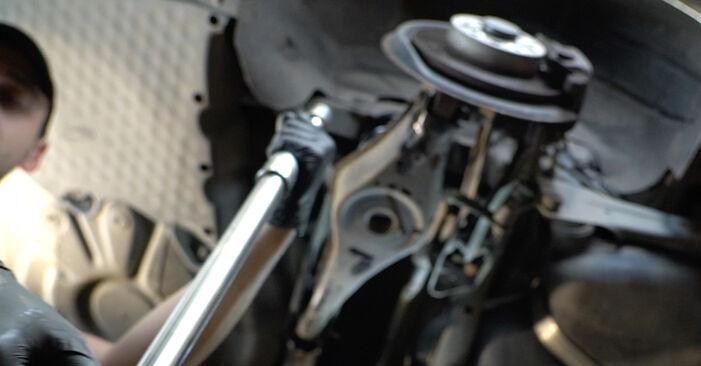Stoßdämpfer beim SKODA OCTAVIA 2.0 TDI 2011 selber erneuern - DIY-Manual