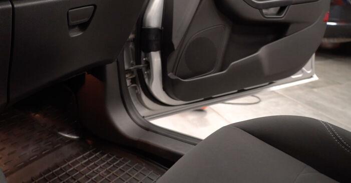 Kaip pakeisti Oro filtras, keleivio vieta la Ford Fiesta Mk6 2008 - nemokamos PDF ir vaizdo pamokos