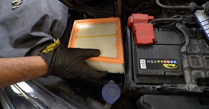 Luftfilter Ihres Ford Fiesta Mk6 1.4 TDCi 2016 selbst Wechsel - Gratis Tutorial