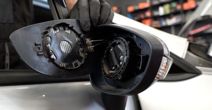 Wie Spiegelkappen FORD Fiesta Mk6 Schrägheck (JA8, JR8) 1.4 TDCi 2009 austauschen - Schrittweise Handbücher und Videoanleitungen