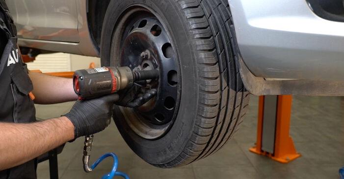 Hvordan bytte Stabilisatorstag på FORD Fiesta Mk6 Hatchback (JA8, JR8) 1.5 TDCi 2011 selv