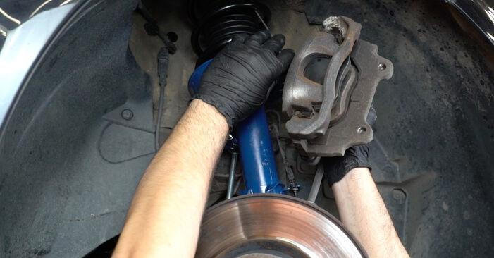 Kaip pakeisti OPEL Corsa D Hatchback (S07) 2009 Rato guolis - patarimai ir gudrybės