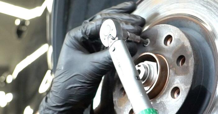 Kaip pakeisti OPEL Corsa D Hatchback (S07) 1.3 CDTI (L08, L68) 2007 Rato guolis - išsamios instrukcijos ir vaizdo pamokos