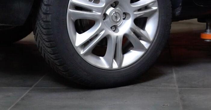 Wie Bremstrommel Opel Corsa D 1.3 CDTI (L08, L68) 2006 tauschen - Kostenlose PDF- und Videoanleitungen
