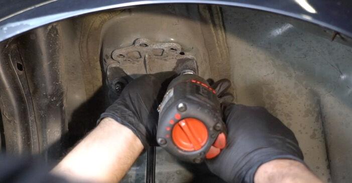Bytte Støtdemper på Opel Corsa D 2007 1.3 CDTI (L08, L68) alene