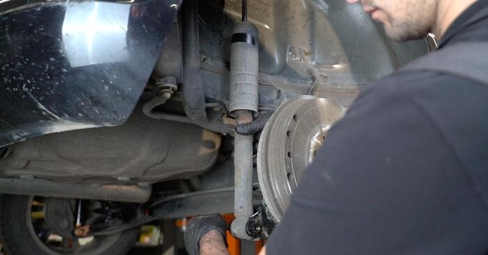 Bytte Corsa D Hatchback (S07) 1.3 CDTI (L08, L68) 2008 Støtdemper – gjør det selv med vår veiledning