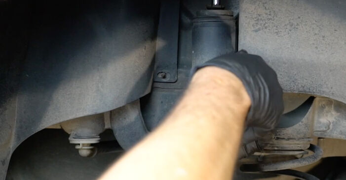 Vanskelighetsgrad: Bytte av Støtdemper på Opel Corsa D 1.4 (L08, L68) 2012 – last ned illustrert veiledning