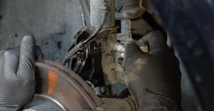 Hvor lang tid tager en udskiftning: Fjeder på Opel Corsa D 2014 - informativ PDF-manual