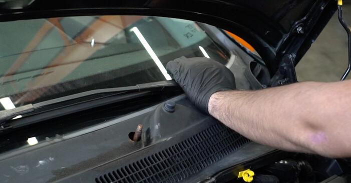 Hvor svært er det at gør-det-selv skifte Fjeder på Opel Corsa D 1.4 (L08, L68) 2012 - hent illustreret vejledning