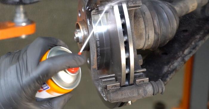 Tausch Tutorial Bremsbeläge am OPEL Corsa D Schrägheck (S07) 2009 wechselt - Tipps und Tricks