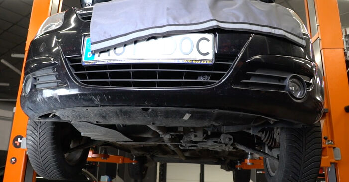 Hvordan bytte OPEL Corsa D Hatchback (S07) 1.4 (L08, L68) 2011 Oljefilter selv – veiledning på nettet