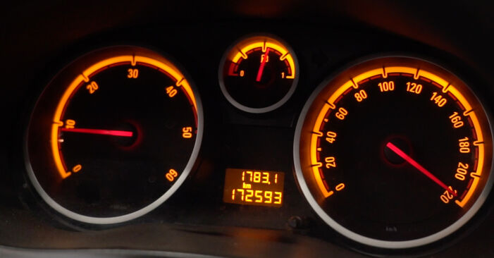 Bytte Oljefilter på Opel Corsa D 2007 1.3 CDTI (L08, L68) alene