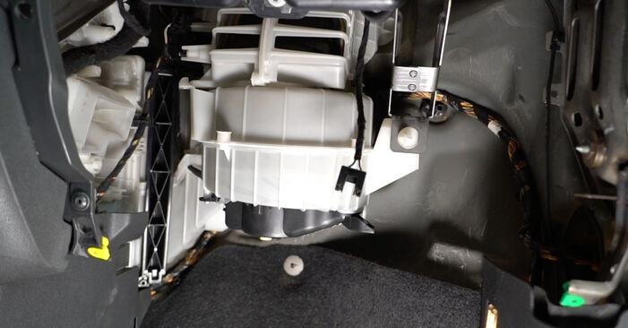 Så lång tid tar det att byta Kupefilter på Opel Corsa D 2014 – informativ PDF-manual