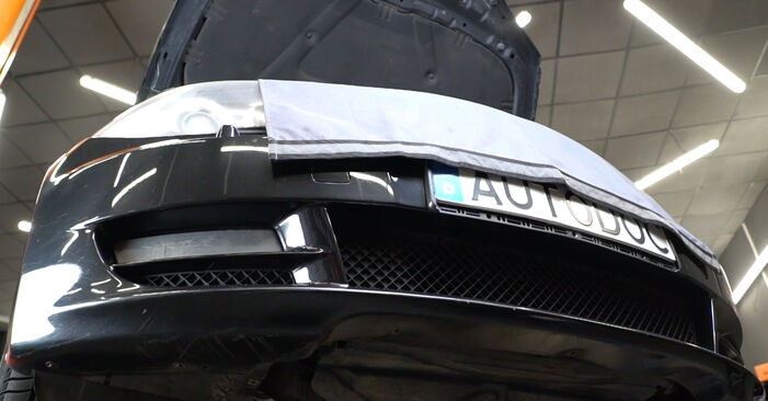 Como substituir Filtro de Óleo no BMW 1 Coupe (E82) 2011: descarregue manuais em PDF e instruções em vídeo