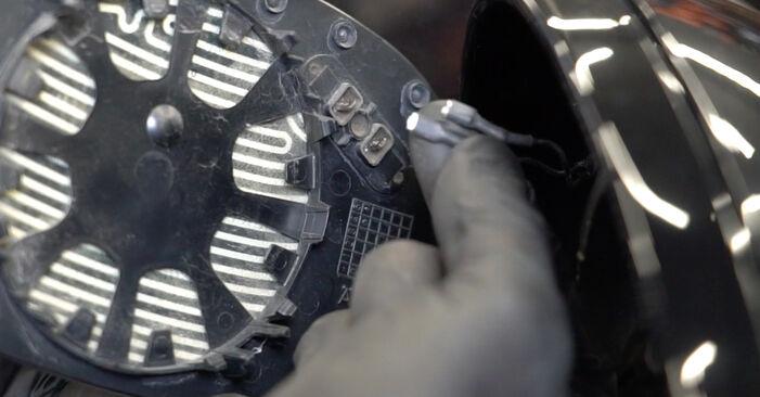 Slik skifte BMW 1 SERIES 125i 3.0 2010 Sidespeilglass – enkle instruksjoner på nettet som er lette å følge