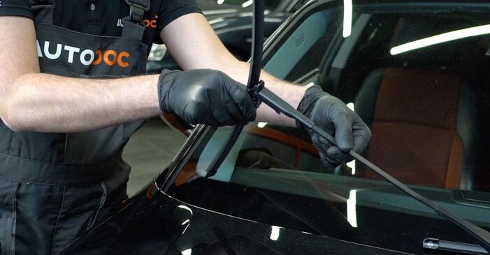 Scheibenwischer BMW E82 135i 3.0 2008 wechseln: Kostenlose Reparaturhandbücher