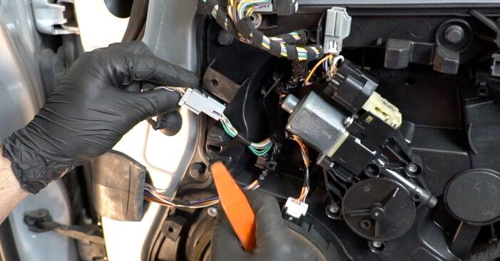 Hvordan skifte Sidespeil på FORD Fiesta Mk6 Hatchback (JA8, JR8) 2020 – tips og triks
