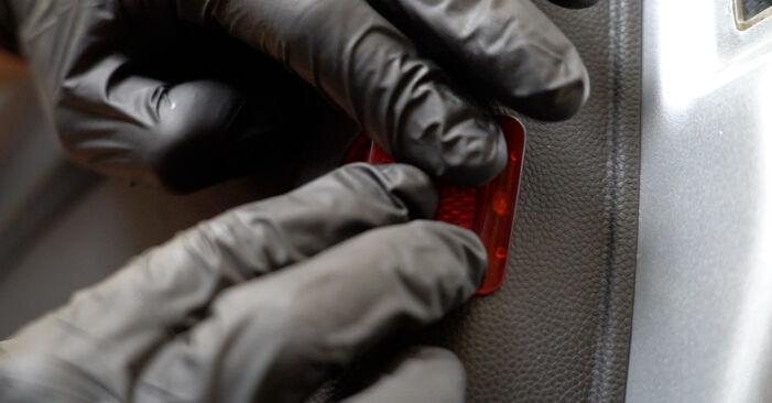 Bytte Sidespeil på Ford Fiesta Mk6 2018 1.25 alene