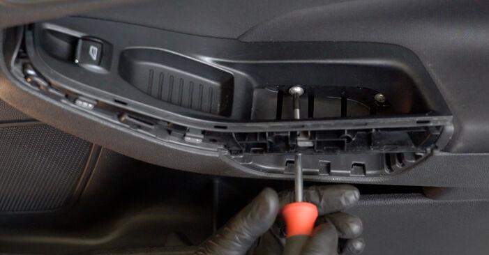Hvordan bytte Sidespeil på FORD Fiesta Mk6 Hatchback (JA8, JR8) 1.5 TDCi 2011 selv