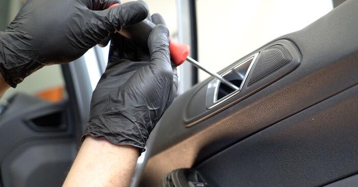 Hvordan skifte Sidespeil på FORD Fiesta Mk6 Hatchback (JA8, JR8) 2013: Last ned PDF- og videoveiledninger