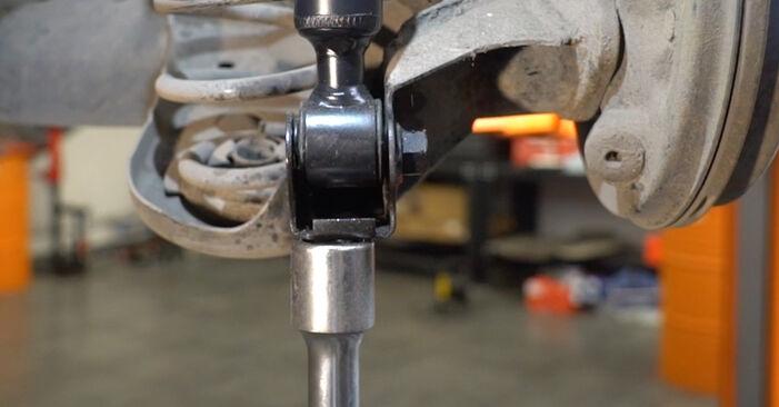 Hvordan skifte Støtdemper på FORD Fiesta Mk6 Hatchback (JA8, JR8) 2020 – tips og triks
