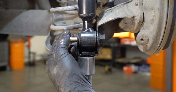 Trinn-for-trinn anbefalinger for hvordan du kan bytte Ford Fiesta Mk6 2021 1.4 LPG Støtdemper selv