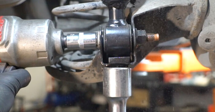 Hvordan skifte Støtdemper på Ford Fiesta Mk6 2008 – gratis PDF- og videoveiledninger