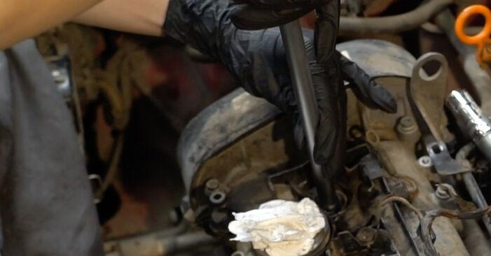 Kaip pakeisti SEAT Ibiza III Hatchback (6L) 1.9 TDI 2003 Uždegimo žvakė - išsamios instrukcijos ir vaizdo pamokos