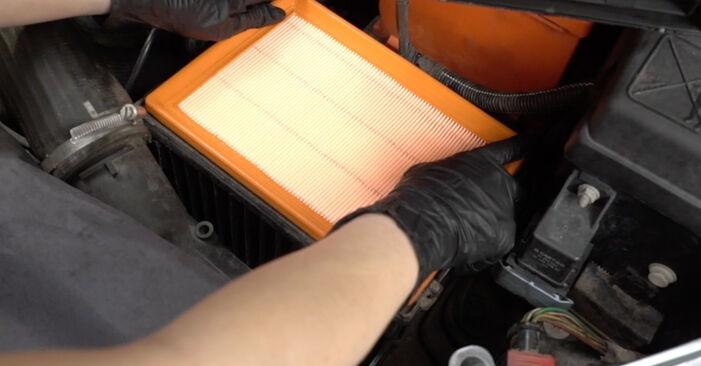 Kiek užtrunka keitimas: Peugeot 307 SW 2002 Oro filtras - informatyvi PDF instrukcija