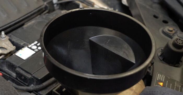 Wie Wasserpumpe + Zahnriemensatz RENAULT Clio III Schrägheck (BR0/1, CR0/1) 1.2 16V 2006 austauschen - Schrittweise Handbücher und Videoanleitungen