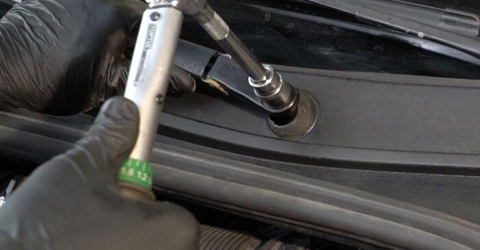 Come rimuovere RENAULT CLIO 1.2 16V Hi-Flex 2009 Motorino Tergicristallo - istruzioni online facili da seguire