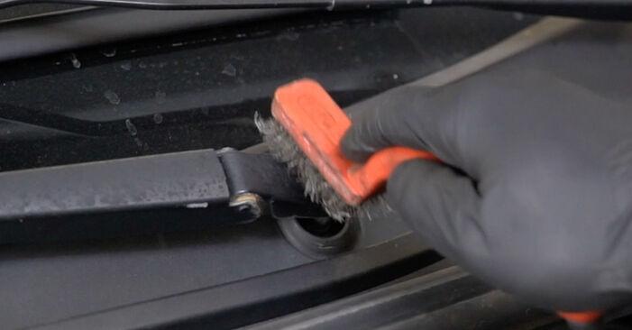 Modifica Motorino Tergicristallo su RENAULT Clio III Hatchback (BR0/1, CR0/1) 2.0 16V Sport (CR0N, CR1P) 2008 da solo