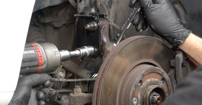 Stoßdämpfer beim RENAULT CLIO 1.4 16V 2012 selber erneuern - DIY-Manual