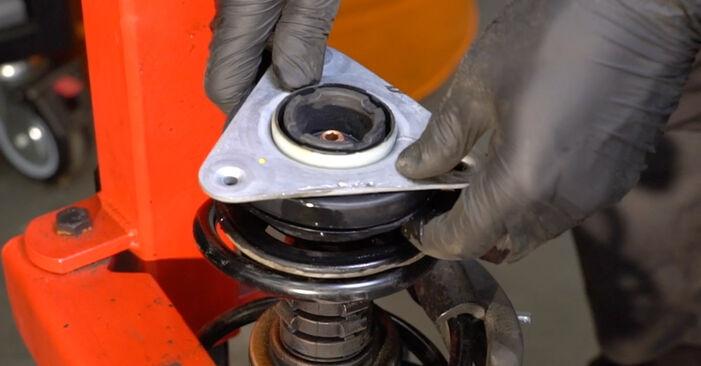 Austauschen Anleitung Stoßdämpfer am Renault Clio 3 2005 1.5 dCi selbst