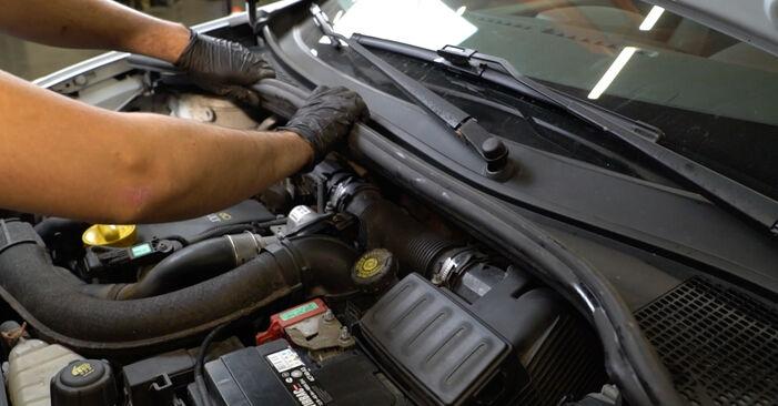 Stoßdämpfer Ihres Renault Clio 3 2.0 16V Sport (CR0N, CR1P) 2013 selbst Wechsel - Gratis Tutorial