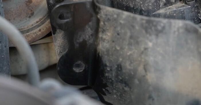 Tausch Tutorial Kraftstofffilter am RENAULT Clio III Schrägheck (BR0/1, CR0/1) 2007 wechselt - Tipps und Tricks