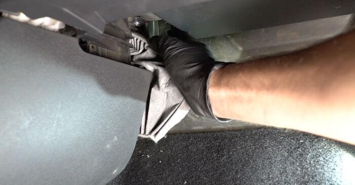 Svépomocná výměna Kabinovy filtr na RENAULT Clio III Hatchback (BR0/1, CR0/1) 2.0 16V Sport (CR0N, CR1P) 2008