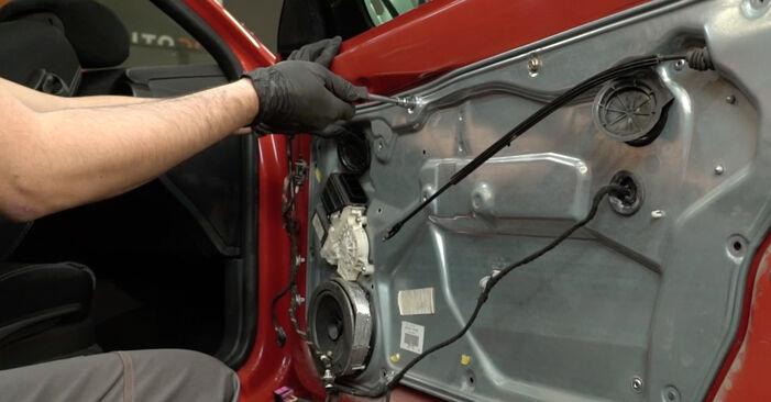 Αλλάζοντας Κλειδαριές εξωτερικά σε SEAT Ibiza III Hatchback (6L) 1.9 SDI 2005 μόνοι σας