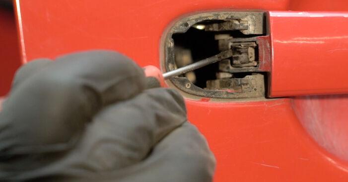 Πώς να αντικαταστήσετε Κλειδαριές εξωτερικά σε SEAT Ibiza III Hatchback (6L) 2007: κατεβάστε εγχειρίδια PDF και βίντεο οδηγιών