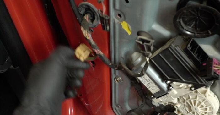 Κάντε μόνοι σας την αντικατάσταση SEAT Ibiza III Hatchback (6L) 1.2 2008 Κλειδαριές εξωτερικά - online tutorial