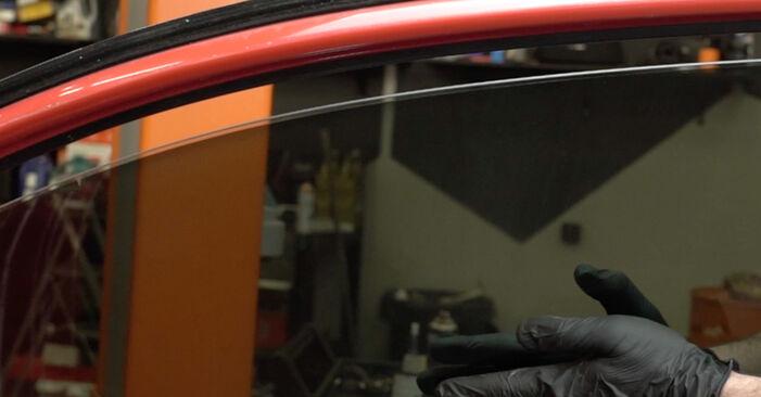 Πώς να αντικαταστήσετε SEAT Ibiza III Hatchback (6L) 1.9 TDI 2003 Κλειδαριές εξωτερικά - εγχειρίδια βήμα προς βήμα και οδηγοί βίντεο