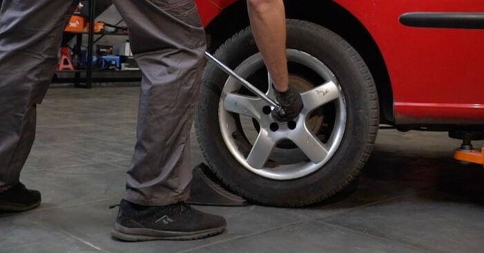 Wie Stoßdämpfer SEAT Ibiza III Schrägheck (6L) 1.4 16V 2003 austauschen - Schrittweise Handbücher und Videoanleitungen