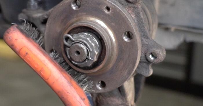 Wechseln Bremsscheiben am PEUGEOT 307 SW (3H) 2.0 16V 2005 selber