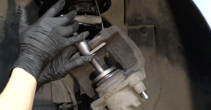 Austauschen Anleitung Bremsscheiben am Peugeot 307 SW 2004 1.6 HDI 110 selbst