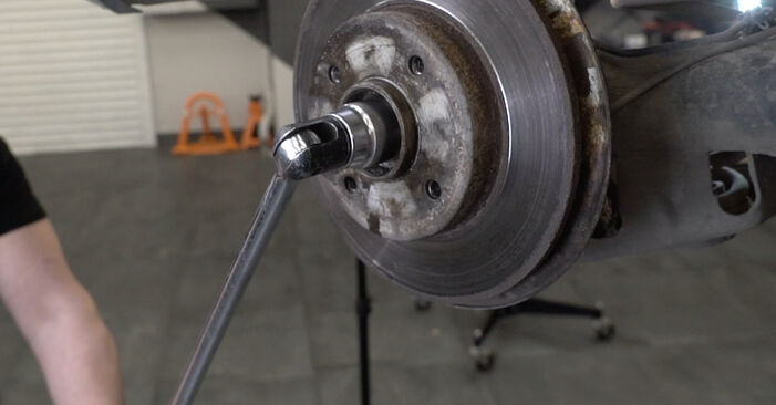 Peugeot 307 SW 1.6 16V 2004 Wheel Bearing replacement: free workshop manuals