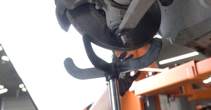 Tausch Tutorial Traggelenk am PEUGEOT 307 SW (3H) 2006 wechselt - Tipps und Tricks