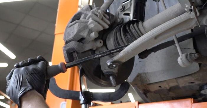 Schritt-für-Schritt-Anleitung zum selbstständigen Wechsel von Peugeot 307 SW 2007 2.0 HDi 135 Traggelenk