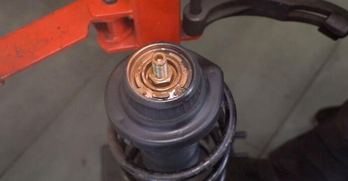 Αντικαθιστώντας μόνοι σας Βάση Αμορτισέρ στο Alfa Romeo 147 937 2010 1.9 JTDM 8V (937.AXD1A, 937.AXU1A, 937.BXU1A)