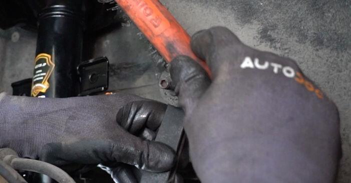 Πόσο δύσκολο είναι να το κάνετε μόνος σας: Βάση Αμορτισέρ αντικατάσταση σε Alfa Romeo 147 937 2.0 16V T.SPARK 2006 - κατεβάστε τον εικονογραφημένο οδηγό