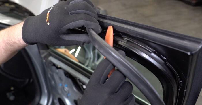 Tausch Tutorial Fensterheber am AUDI A4 Limousine (8EC, B7) 2006 wechselt - Tipps und Tricks